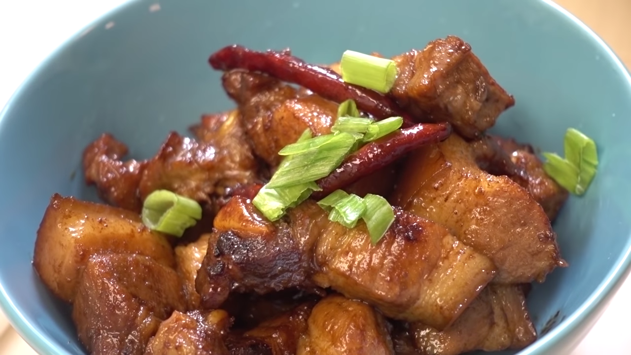 How to Make AWESOME Braised PORK BELLY in a RICE COOKER! (红烧肉, 电饭锅) 5-47 screenshot