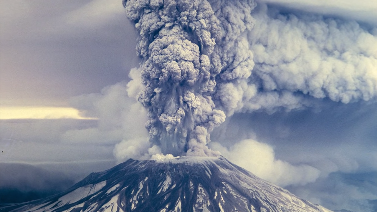 Top 5 Volcano Eruptions Caught on Camera 4-11 screenshot