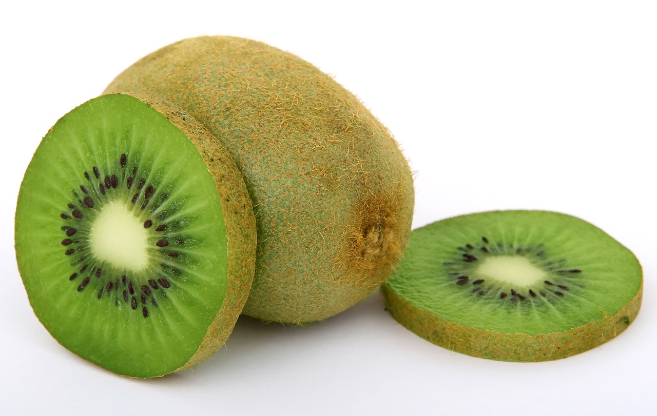 Kiwi is small in size but big in nutrition. (Image: pixabay / CC0 1.0)