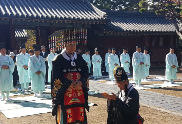 South Korea's nominal emperor, Yi Seok, has lived a colourful life in the land of his birth as well as in the United States.