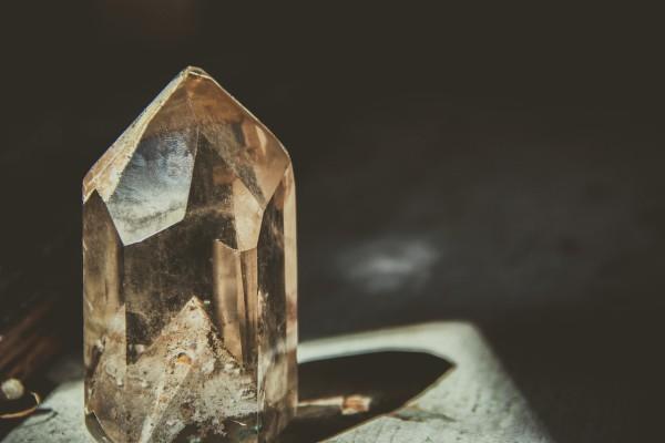 crystal-2723145_1280