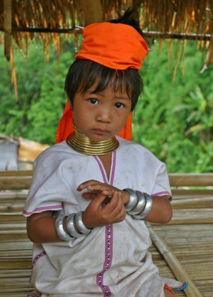 A Kayan Lahwi girl. (Image: Diliff via wikimedia CC BY 2.5)
