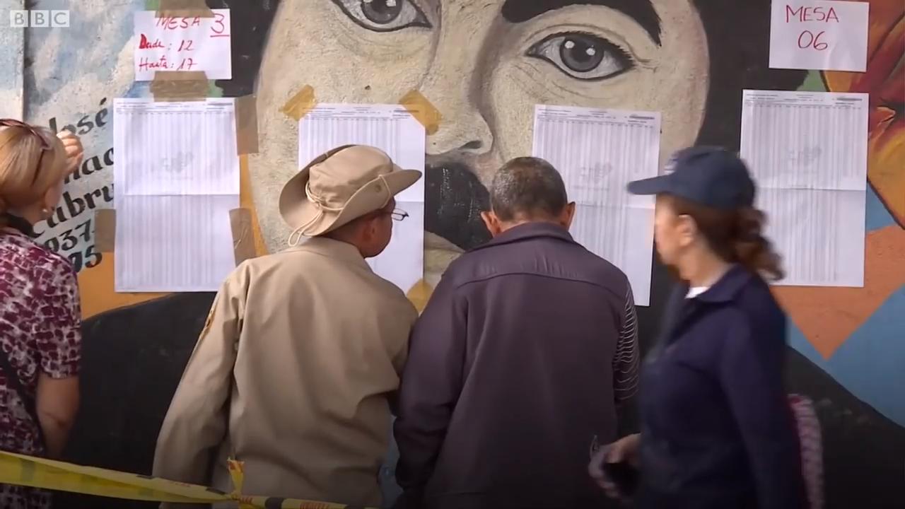 Venezuela's Maduro wins re-election - BBC News 0-19 screenshot