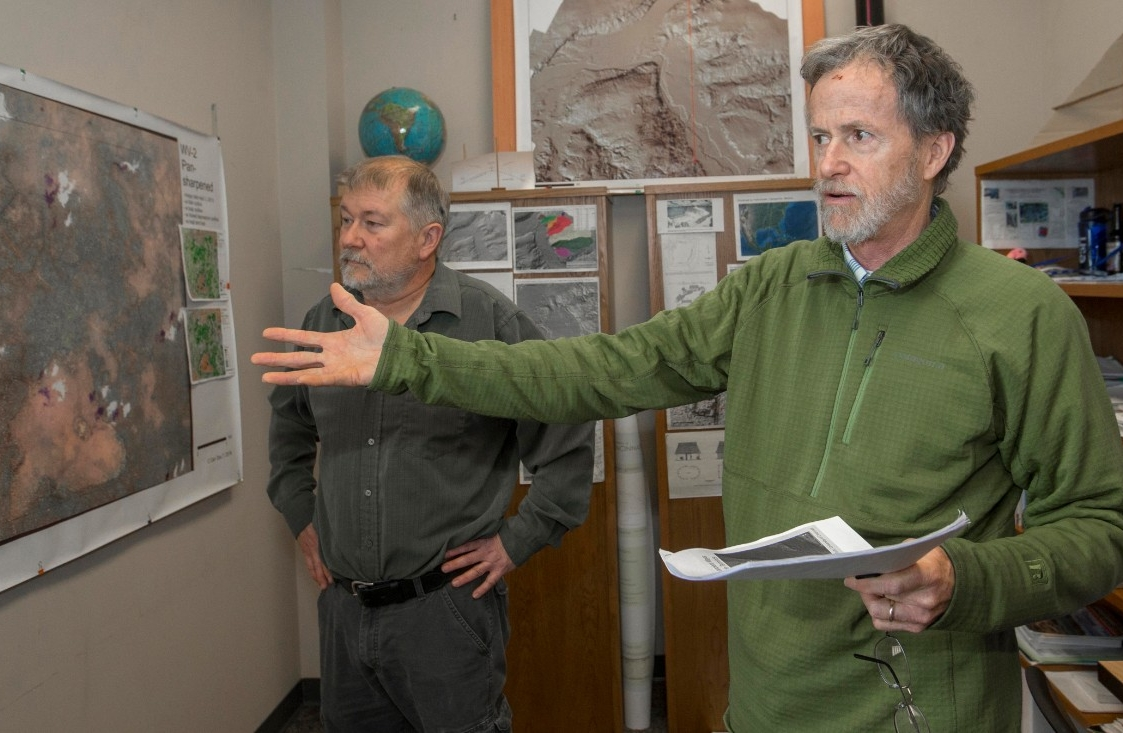 UC geography professor Nicholas Dunning, left, and assistant professor Christopher Carr have been studying ancient Maya sites in Mexico. (Image: Joseph Fuqua II/UC Creative Services)