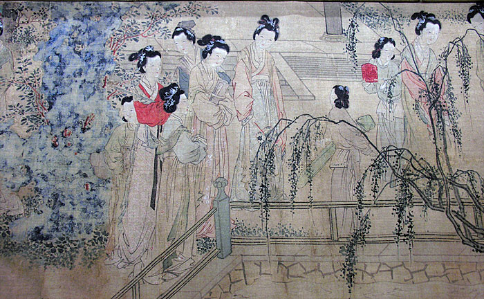 During the Ming dynasty (1368 CE to 1644 CE), there was a population boom in China. Women during this period used to tie hair in buns and adorn it using ornaments. (Image: hua.umf.maine.edu / CC0 1.0)