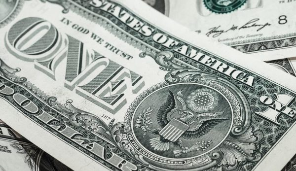 As global powers veer to replace the U.S. dollar with another currency, America only has one option – to revert to the gold standard. (Image: pixabay / CC0 1.0)