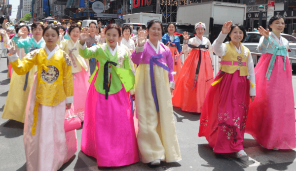 The group from Korea was really colorful. (Image: David Yang)