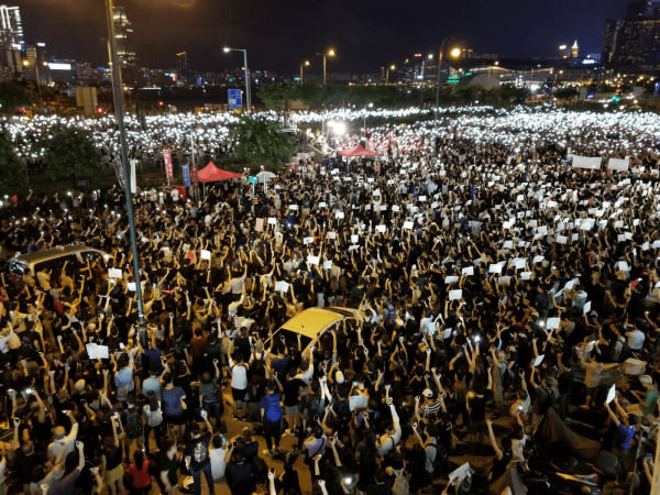 Thousands of protesters in Hong Kong trying to send a message to G20 members, to support their efforts against a extradition bill in Hong Kong.