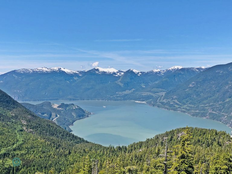 Visitors can take in panoramic views from the trails around the Summit Lodge. (Image: Billy Shyu / Nspirement)