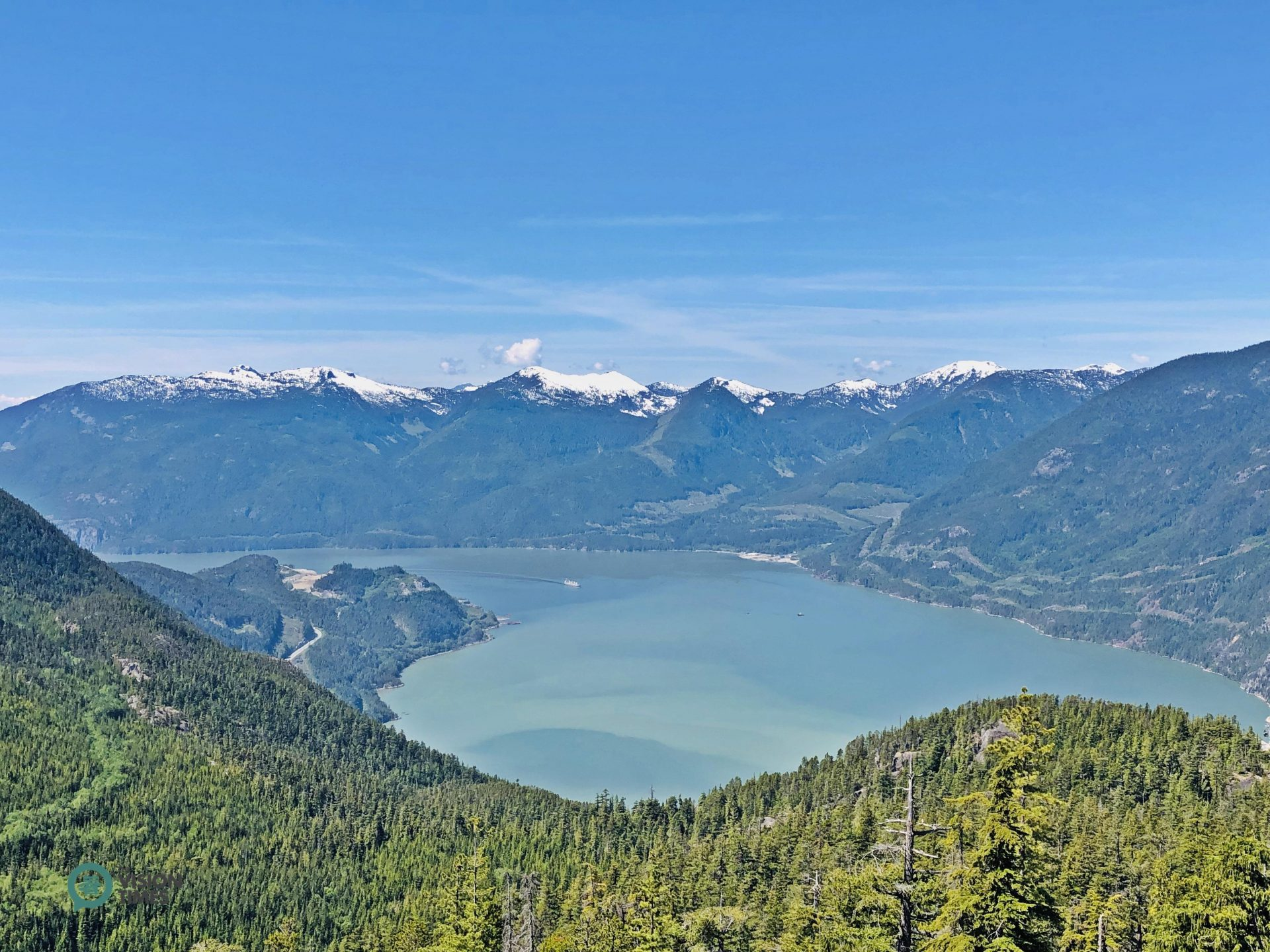 Visitors can take in panoramic views from the trails around the Summit Lodge. (Image: Billy Shyu / Vision Times)