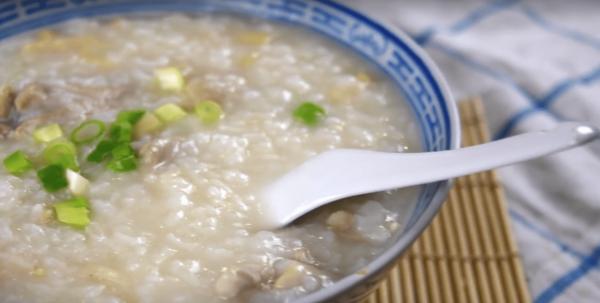 A bowl of chicken congee. (Image: YouTube/Screenshot)