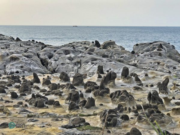 The rock formations at the Peace Island. (Image: Billy Shyu / Vision Times)