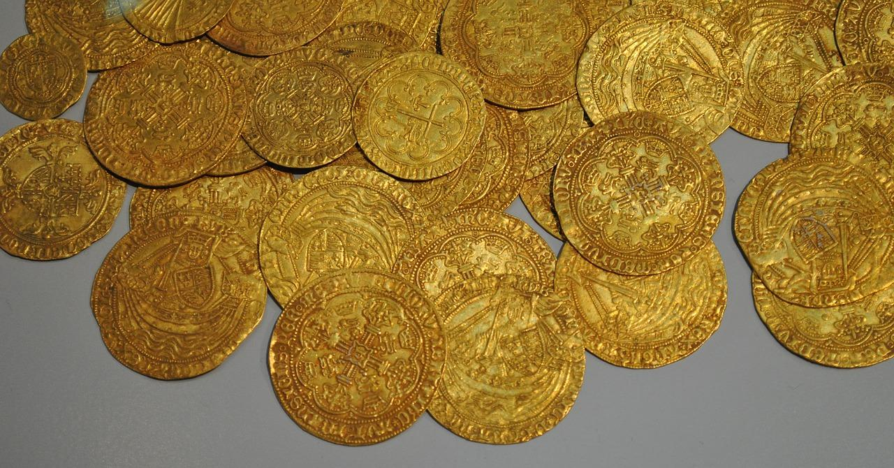 After the eldest son left for Chu, he secretly stole some of the gold for his own use. (Image via pixabay / CC0 1.0)