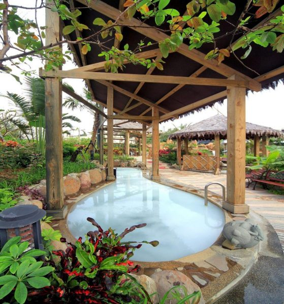 The hot spring pool of a hot spring resort in Jinshan District (Image: Courtesy of Jin Yomg Quan Spa Hotsprng Resort)