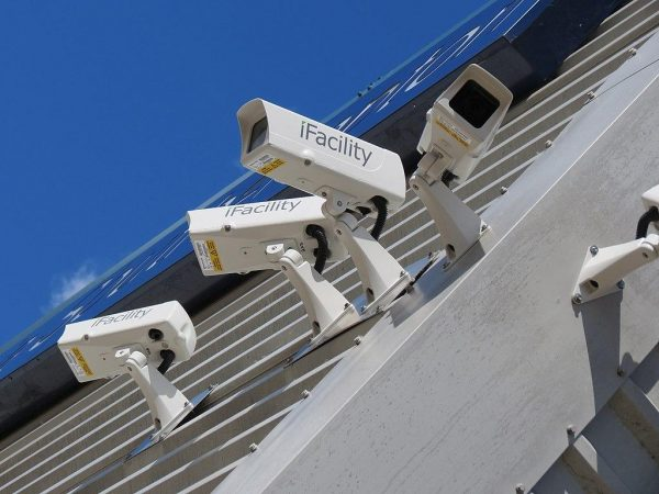 According to information provider IHS Markit, the sale of surveillance goods like cameras, recorders, accessories, and video management software (VMS) will cross US$20 billion for the first time this year. (Image: RickySpanish via wikimedia CC BY-SA 4.0)