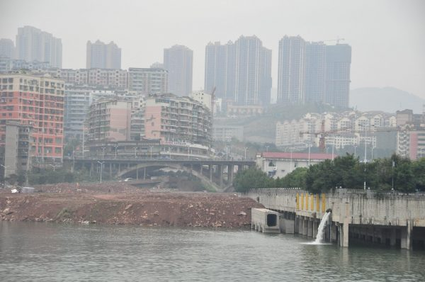 Hundreds of millions of people live in the Yangtze River Valley, China's longest river, which flows downstream of the Three Gorges Dam. (Image: Michael Gwyther-Jones via Flickr CC BY 2.0)