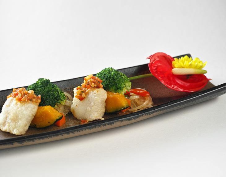 Rice ball with pumpkin, broccoli flower and other fresh ingredients. (Image: Courtesy of Shi Yang Shan fang)
