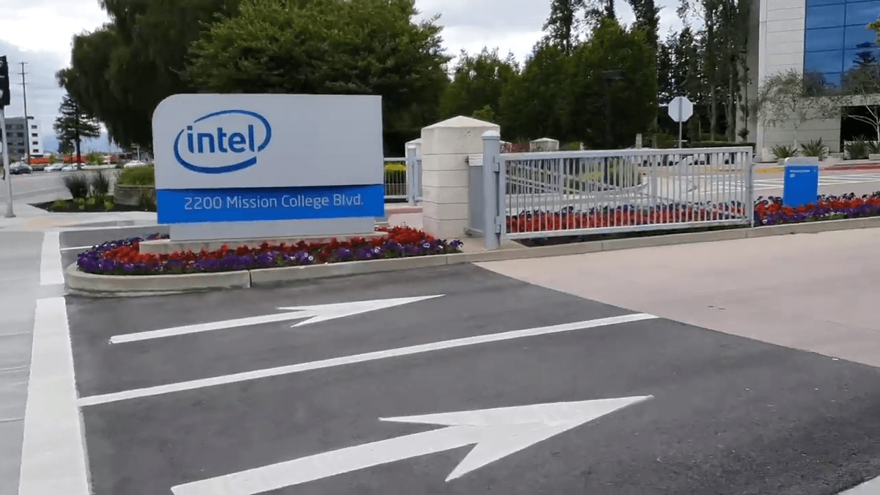 Intel plans on launching Thunderbolt 4 sometime this year.(Image: Screenshot / YouTube)