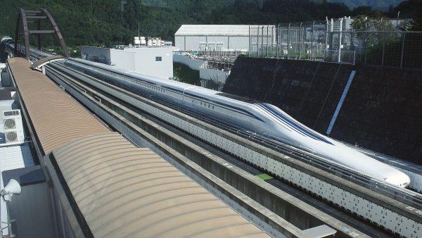 L0 Series on SCMaglev test track in Yamanashi Prefecture, Japan. (Image: Saruno Hirobano via wikimedia CC BY-SA 3.0)