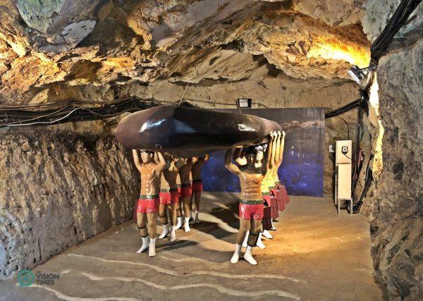 The exhibit of the ROC's elite amphibious frogman unit at the Beihai Tunnel. (Image: Julia Fu / Vision Times)