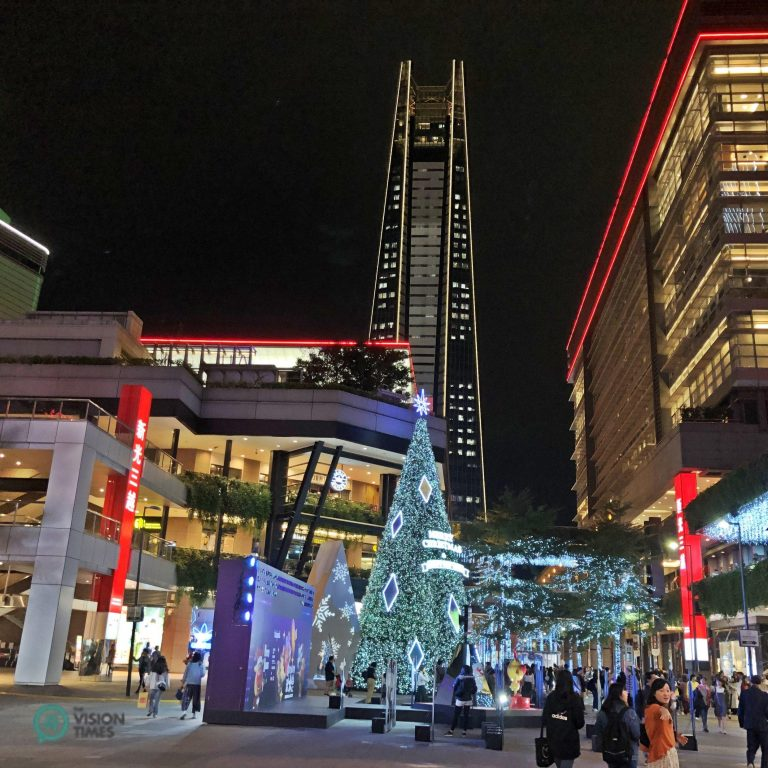 Taipei City's Xinyi District is brimming with Christmas atmosphere. (Image: Billy Shyu / Nspirement)