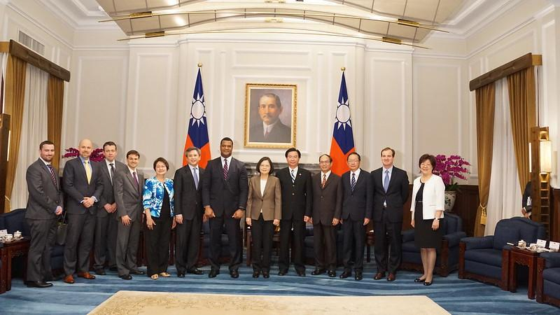 Group photo with President Tsai Ing-wen