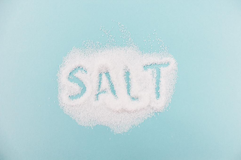 Gargling warm salt water soothes throat pain. (Image: Stock Catalog via flickr CC BY 2.0 )