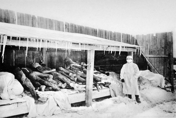 An image of Manchurian plague victims (1910–1911). (Image: wikipedia / CC0 1.0)