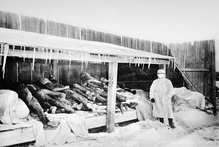 An image of Manchurian plague victims (1910–1911). (Image: wikipedia / CC0 1.0)