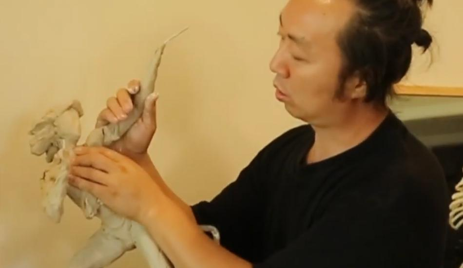 Ben Li is an artist from China who specializes in sculpture. (Image: YouTube/Screenshot)