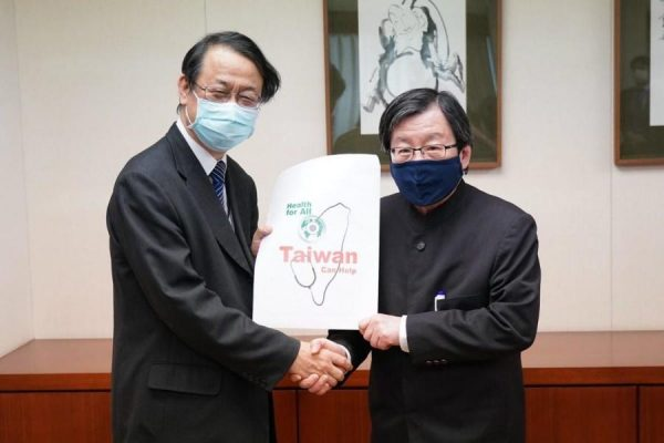 Chief Representative of the Japan-Taiwan Exchange Association Taipei Office expresses his appreciation to Taiwan for donating face masks to Japan. (Image: Ministry of Foreign Affairs, Taiwan)