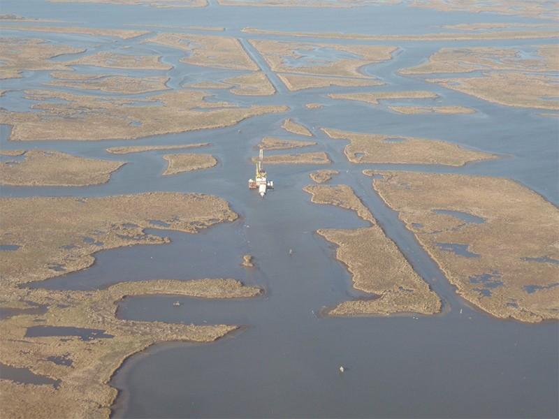 Salt marshes about 30 miles (50 km) southeast of New Orleans are vulnerable to drowning. (Image: Torbjörn Törnqvist)