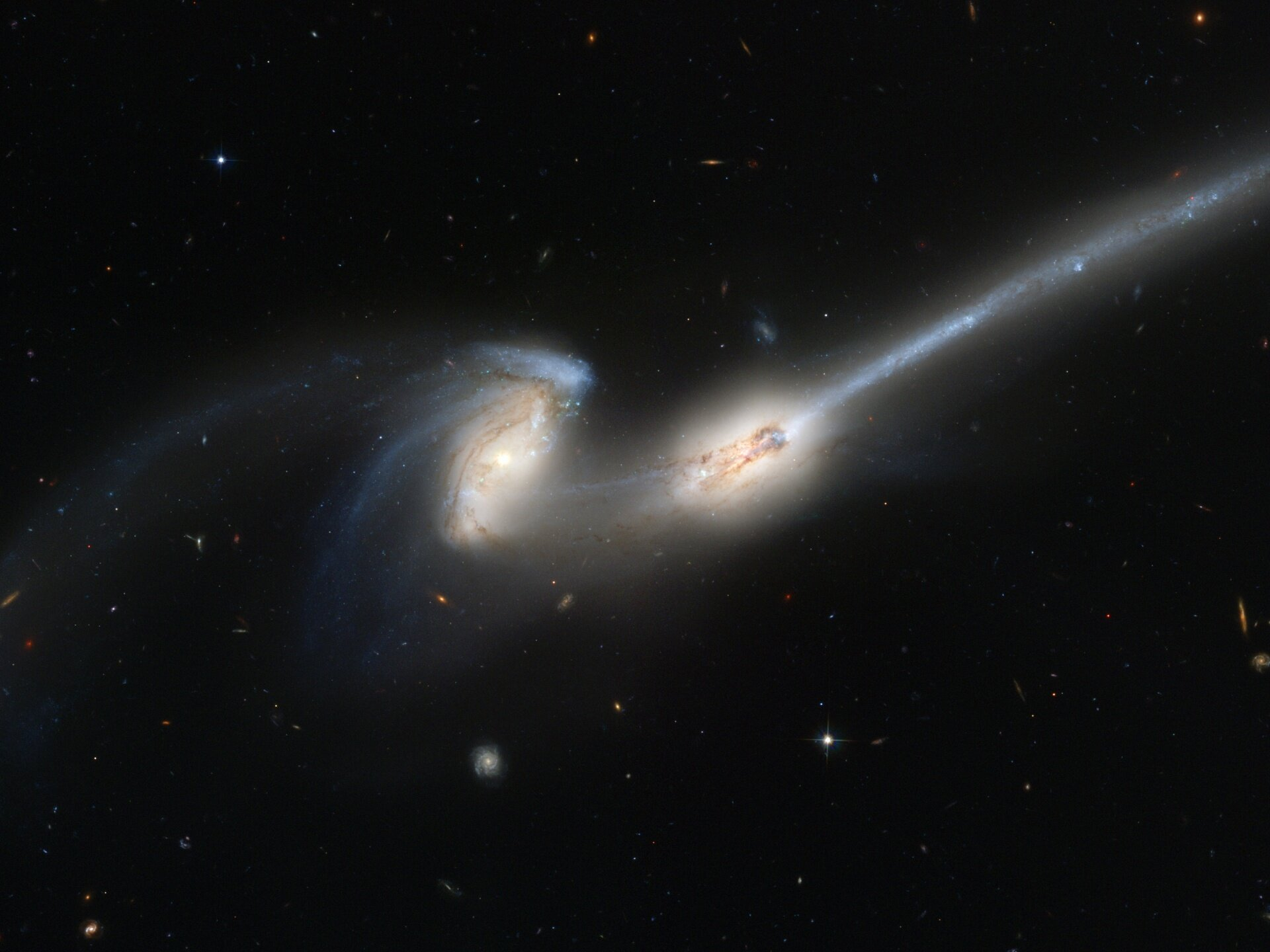 Two galaxies merging. (Image: Hubble Space Telescope)
