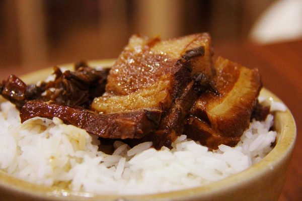 Rice and pork belly make an awesome combination. (Image: Pixabay / CC0 1.0)
