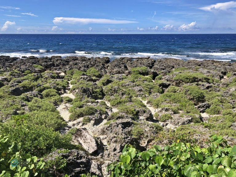 The Southernmost Point of Taiwan is a great spot to take in the picturesque coast covered with coral reefs. (Image: Julia Fu / Nspirement)