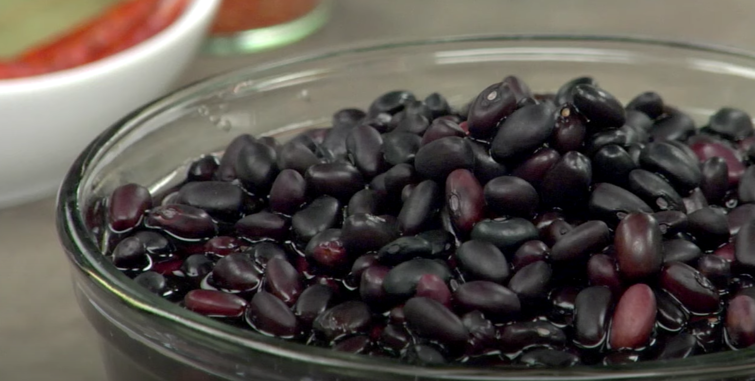 Anthocyanins, contained in the melanin component of black beans, are one of the many types of polyphenols. (Image: YouTube/Screenshot)