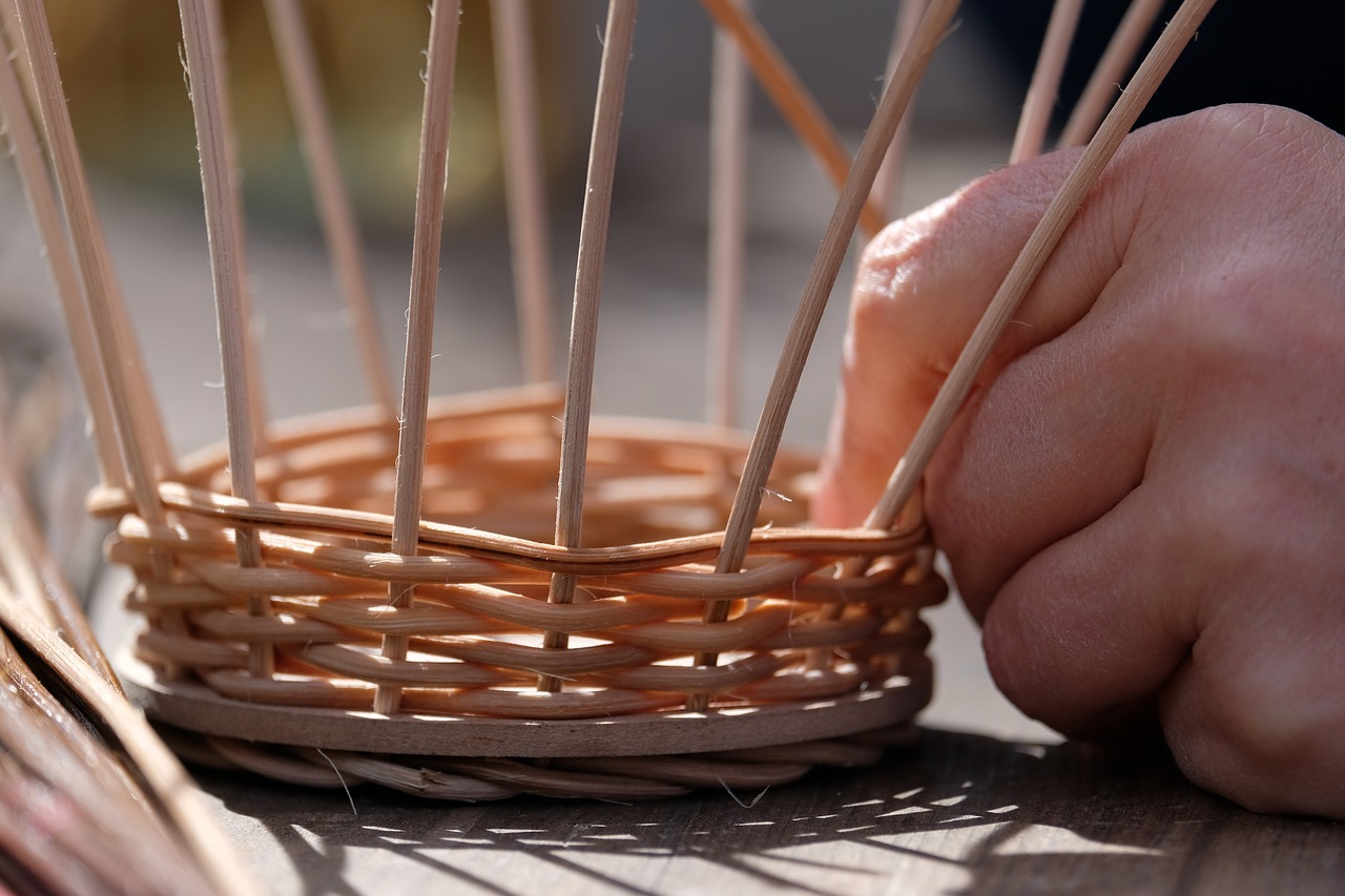 When choosing a natural material for baskets, flexibility is an important consideration. (Image: Pixabay / CC0 1.0)