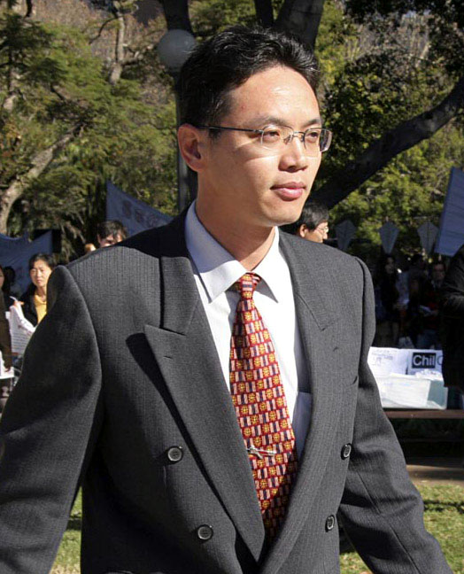 According to Chinese former diplomat Chen Yonglin, the CCP had 1,000 spies active in Australia alone in 2005. (Image: Minghui.org)