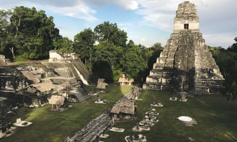 The ancient Maya city of Tikal flourished between the fifth and ninth centuries before the city eventually was abandoned. (Image: Jimmy Baum/Wikimedia Commons)