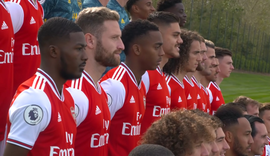 Team photo of Arsenal soccer players.