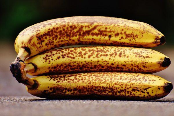 Healthy foods include bananas.