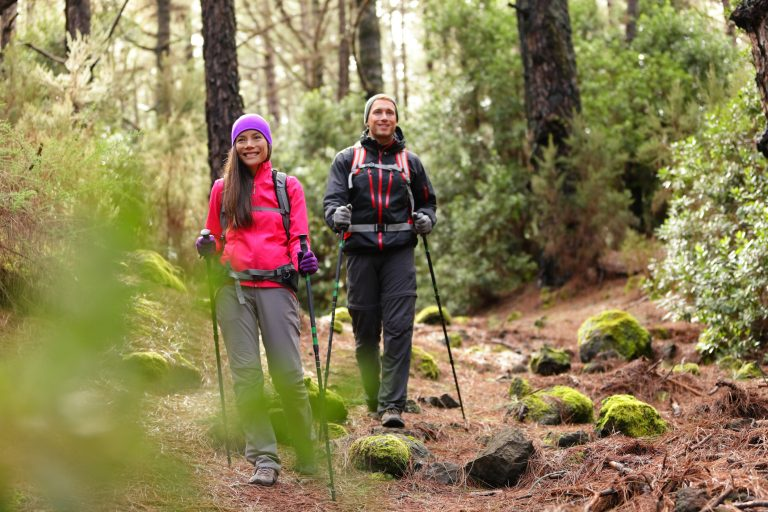 hiking_couple