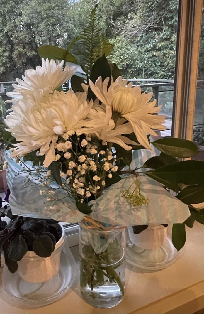 Chrysanthemum flower bouquet in a vase.
