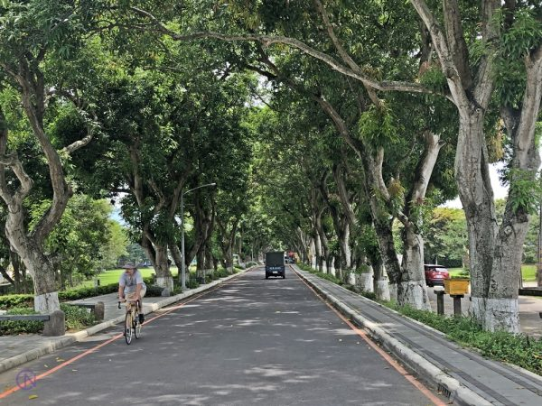 Gukeng Green Tunnel is also a great place for biking.