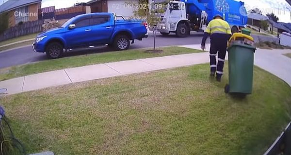 Garbage collector shows great act of kindness.