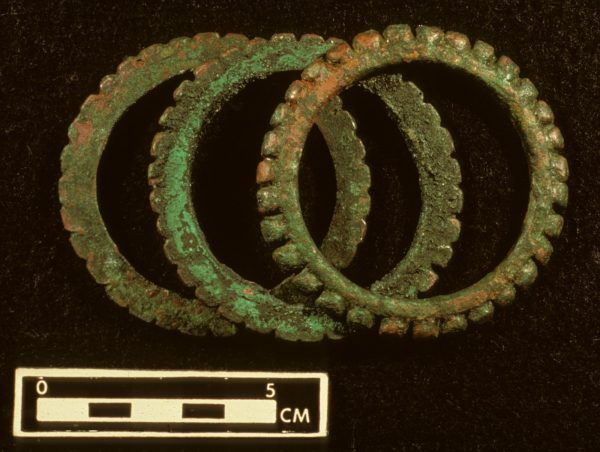 In northern northeast Thailand, bracelets were by far the most popular metal artifacts.