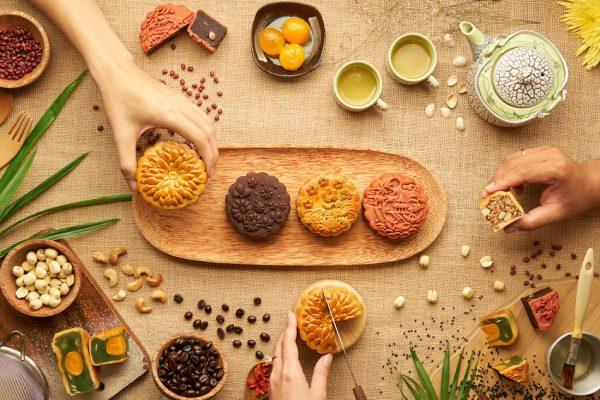 Mid-Autumn Festival mooncakes and tea