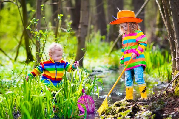 When children enter into explorative, unstructured play in nature, their brains are learning how to focus, problem-solve, and practice language through action in an instinctive process.